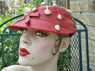 Vintage Ladies 1950's Red Raffia & Cowrie Shell Hat Cap Beach Barbeque Golf